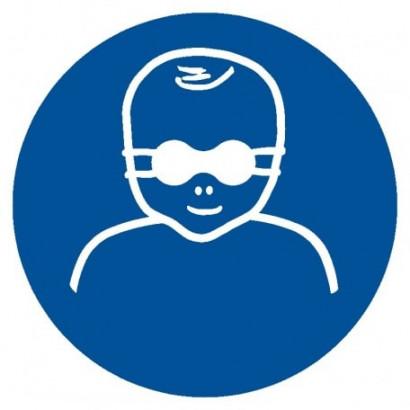Nakaz ochrony oczu dzieci nieprzejrzystymi okularami ochronnymi